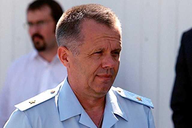 После обысков в полиции Екатеринбурга в Москве задержан генерал Романюк. Подозревается в «крышевании» игорного бизнеса
